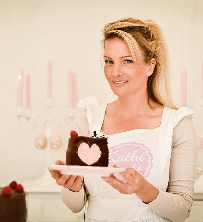 Schokoladentorte mit Herzbuttercreme