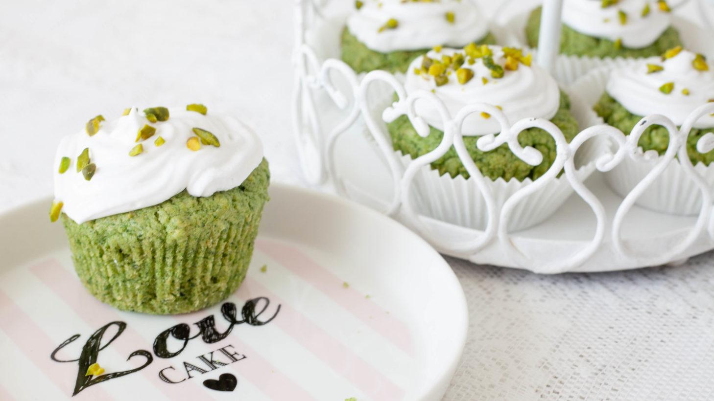 Spinat-Cupcakes mit Kokoshäubchen